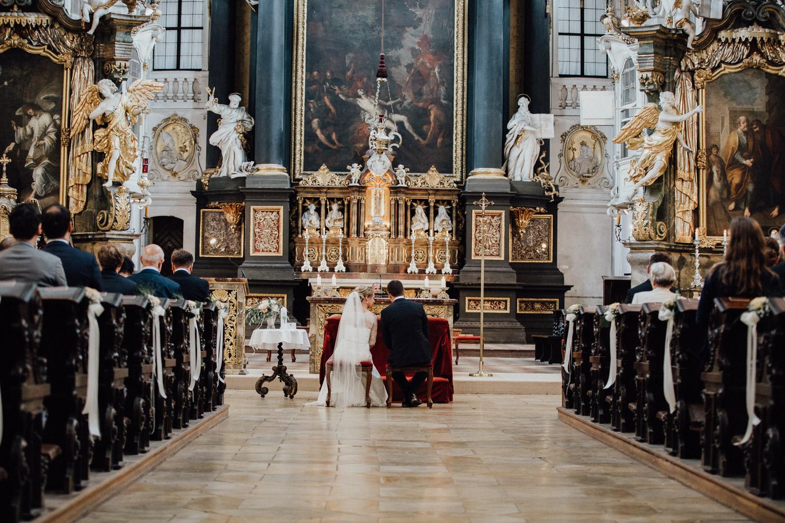 Regenhochzeit in der Basilika St. Emmeram in Regensburg 52